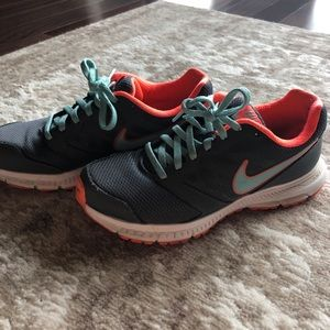Nike Running Shoes Size 7.5